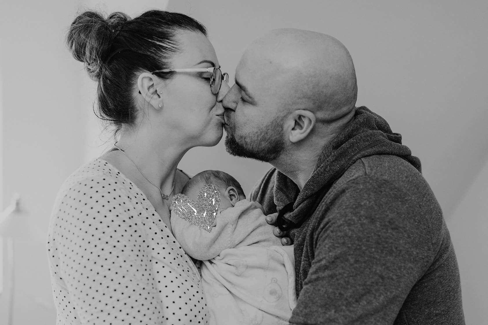 Babyshooting-Familienshooting-Familienfotografie-hundefotografie-reinheim-mainz-wiesbaden-darmstadt-fotograf-hochzeitsfotograf-homestory22