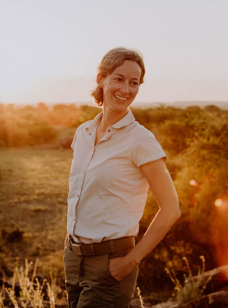 Fotograf in Afrika beim Sonnenuntergang Portraitshooting