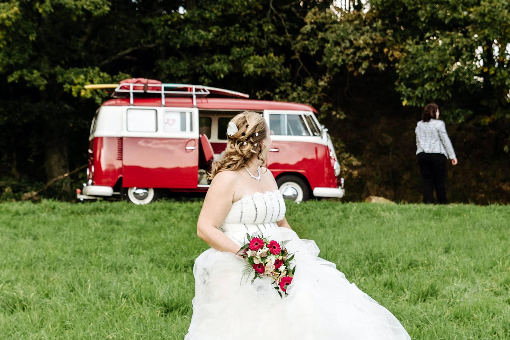Hochzeitsreportage-Darmstadt-Almhochzeit-Hochzeitsfotograf-Bullihochzeit-Pinetree-Photography-Katharina-zwerger