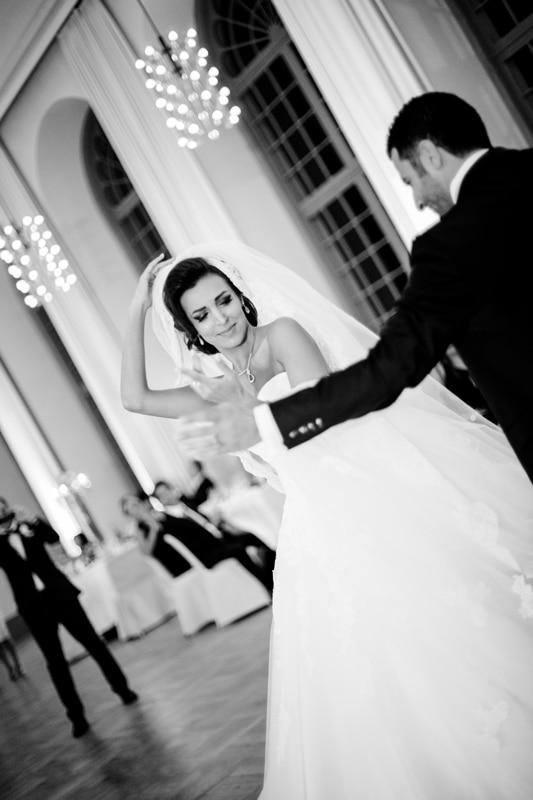 Hochzeitsreportage-Darmstadt-Iranische-Hochzeit-Orangerie-Darmstadt-Mathildenplatz-Paarshooting-Brautfotografie