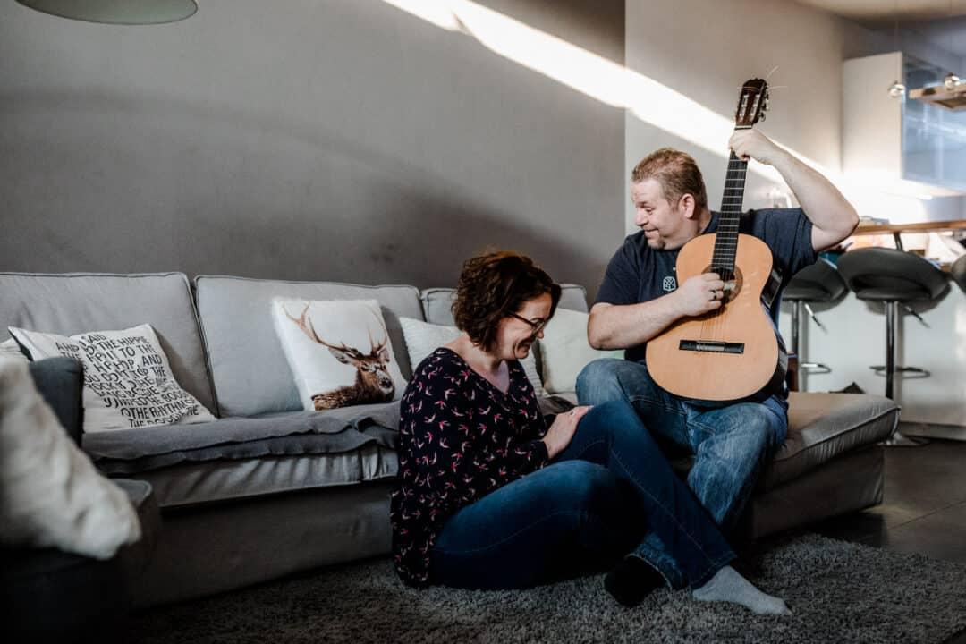 Homestory-Coupleshooting-Darmstadt-Mainz-Katharina-Zwerger-Pinetree-Photography-Dienheim-Hochzeitsfotograf