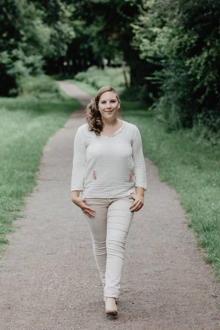 Katharina-Zwerger-Pinetree-photography-fotograf-darmstadt-mainz-wiesbaden-portraitshooting-outdoor-fasanerie-gross-gerau-portraitfotografie-rheingau-taunus-rheinhessen-fotografieren