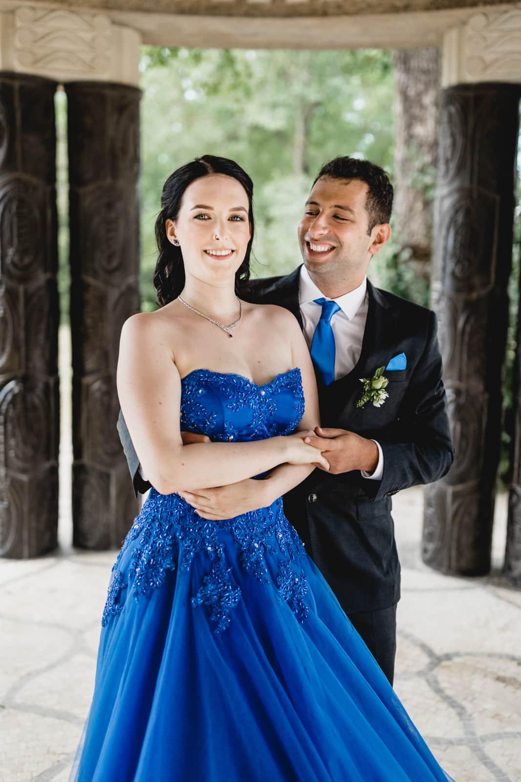 Bräutigam tanzt mit seiner Braut